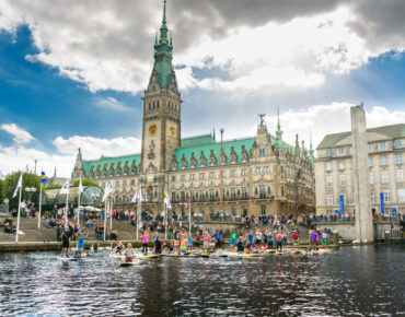 LiveLoveSUP Hamburg Rathaus web