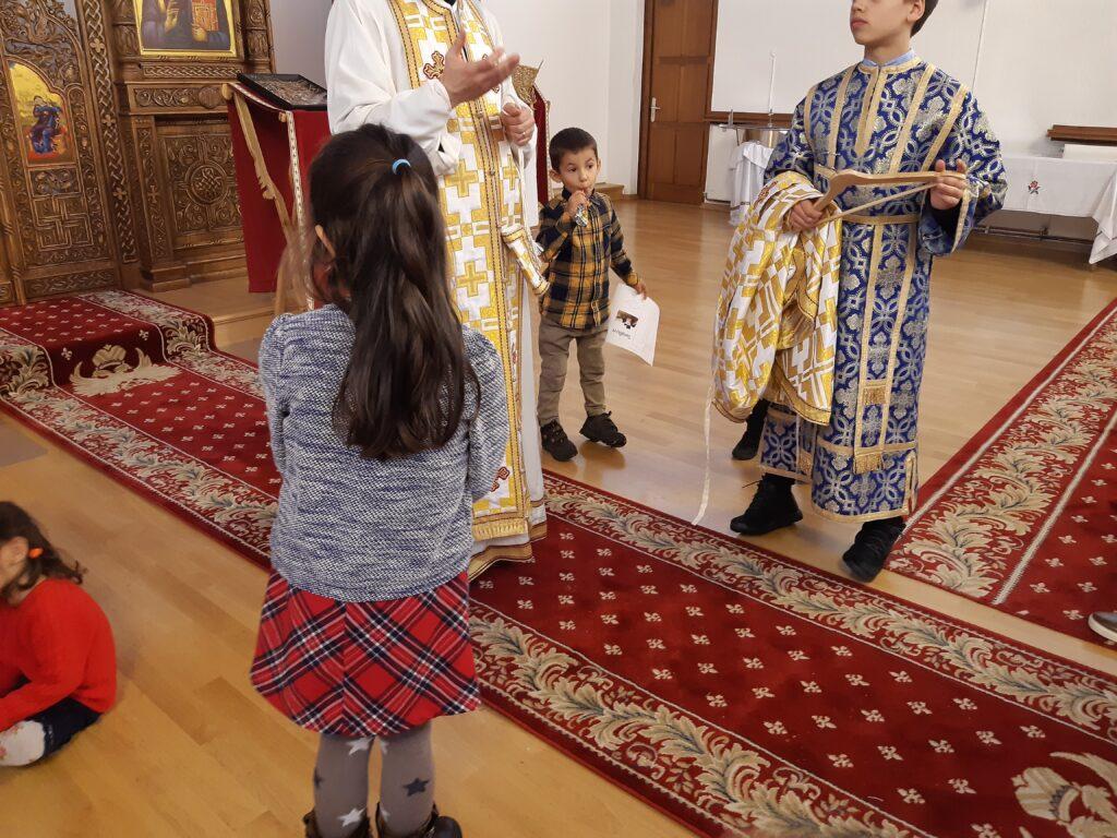 Scoala de duminica – lectii de cateheza cu copiii- Facerea lumii, Arca lui Noe, Vesmintele preotului- Oct. 2019